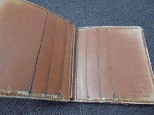 使い古したヴィトンの財布