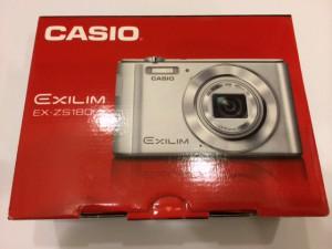 カメラ EXILIM