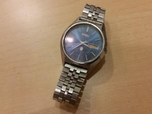 古い時計も買取します。