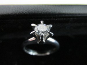 池田市のお客様からダイヤを買取致しました。大吉池田店です。