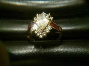 メレダイヤ付きのダイヤもお買取りします。箕面市の大吉 箕面店
