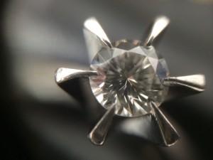 ルース ダイヤモンドをお買取りしました。箕面市の大吉 箕面店