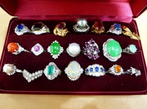 福岡市中央区のお客様より宝石(ルビ―,サファイヤ,エメラルド)の買取を致しました。大吉七隈四ツ角店