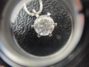 ダイヤモンドの高価買取は諏訪森の大吉
