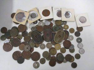 一圓銀貨、五十銭銀貨、古紙幣など 古銭を買取りなら、大吉 稲毛店です。古銭以外にも金、プラチナ、銀、貴金属、ダイヤ、時計、ブランド、切手、金券、カメラ、携帯、テレカ等等幅広くお買取しているのが大吉稲毛店。「古銭」「買取」「稲毛」で検索 古銭を買取る、大吉 稲毛店です。当店では古銭以外にも金、プラチナ、銀、貴金属、ダイヤ、時計、ブランド、切手、金券、カメラ、携帯、テレカ等等幅広くお買取しています。