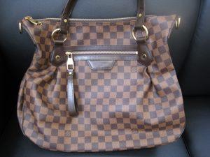 ヴィトンのバッグを茅ヶ崎にお住まいのお客様からお売りいただきました。
