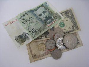 茅ヶ崎にお住まいのお客様から外国のお金を買取りしています。