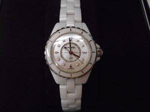 堺泉北の皆様。シャネルの腕時計の高価買取は大吉アクロスモール泉北店へ