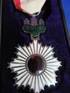 勲章の買取は、池田市の大吉池田店
