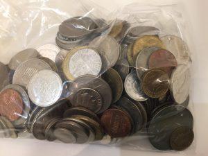 外国のコインも買取している大吉アルプラザ堅田店です。