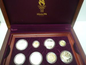堺泉北の皆様、記念コインの高価買取は泉北クロスモール店へ