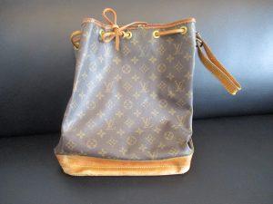 当店は壊れているブランドバッグも喜んでお買取りさせていただきます。大吉松江店