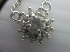 堺泉北の皆様、ダイヤモンドの高価買取はアクロスモール泉北店へ