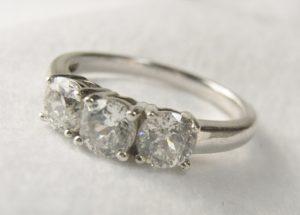 ダイヤの買取でしたら、大吉フレスポ茅ヶ崎店へ