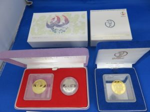 天皇陛下御在位記念・ワールドカップ開催記念1万円金貨をお買取させて頂きました。