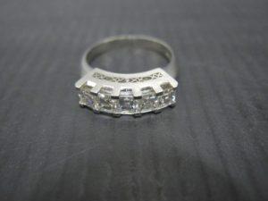 京都、奈良にあるダイヤ付きのプラチナリングの買取はガーデンモール木津川店へ