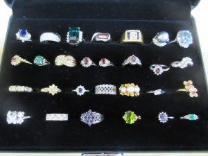 貴金属,宝石,ダイヤモンド,ルビー,エメラルド,サファイア,指輪,ネックレス,ピアス