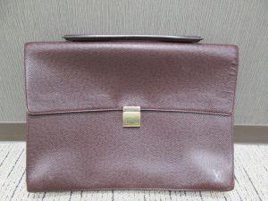 大吉アピタ富士吉原店、ヴィトンのバッグを買取りしました!