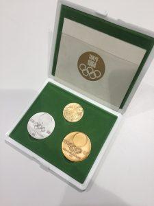 記念メダルの買取は、大吉伊勢ララパーク店にお任せ!
