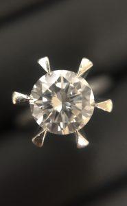 ダイヤの買取は、大吉伊勢ララパーク店にお任せ!
