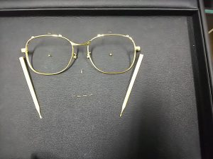 k18メガネ