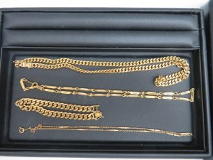 貴金属18金のネックレス・ブレスレットをお買取りさせて頂きました。