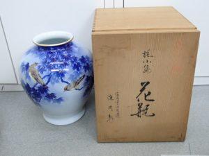 深川製磁の花瓶をお買取!大吉霧島国分店は骨董品もお買取致します!