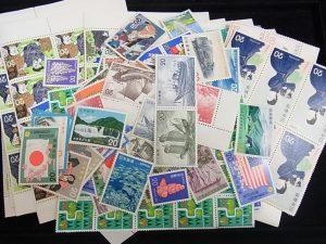 大吉 大阪エコールロゼ店では、切手も高価買取中。