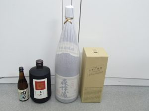 焼酎は森伊蔵から国分など銘柄問わず。一升瓶からミニボトルまで容量も問わずお買取。霧島市の買取専門店大吉霧島国分店です!