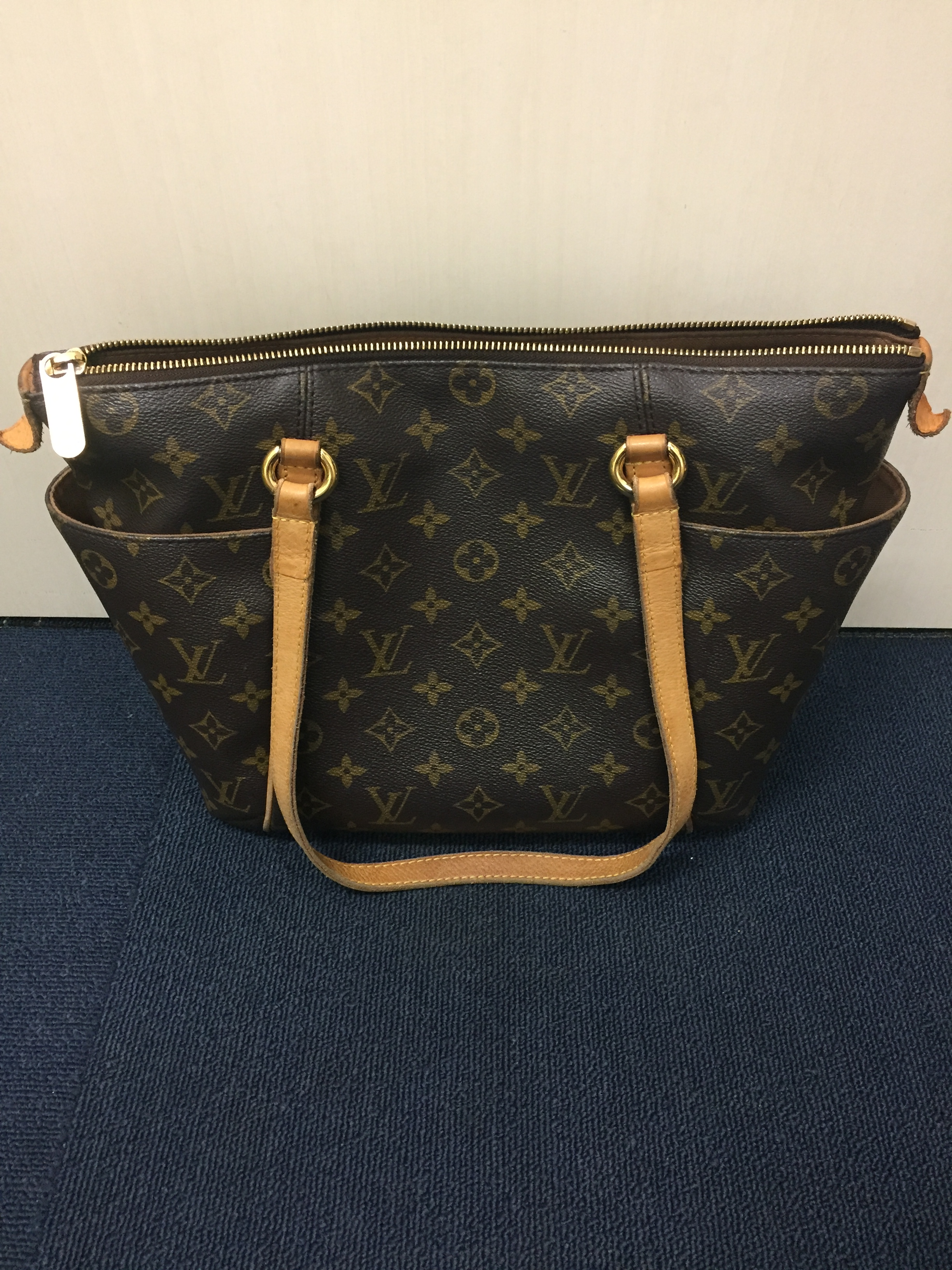 finest selection 3c7ea 938b8 LOUIS VUITTON ルイヴィトン 財布 バック 鞄 を売るなら知立市 ...