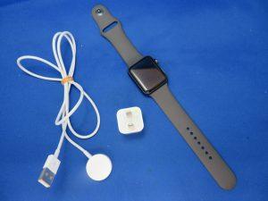今回はApple Watchを買取りさせて頂きました。