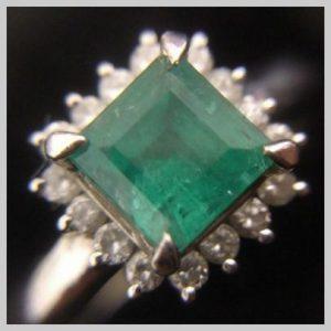 大吉本八幡店、エメラルドの指輪をお買取り致しました。