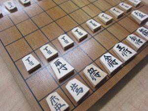 大吉本八幡店、将棋盤をお買取り致しました。