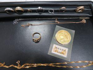 貴金属アクセサリー・10万円金貨 お買取りさせて頂きました。