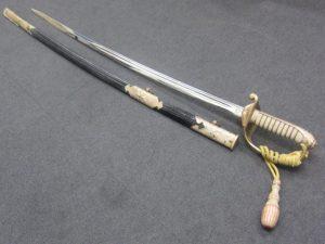 大吉本八幡店、軍刀をお買取り致しました。