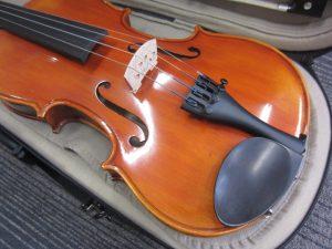 大吉本八幡店、バイオリンをお買取り致しました。
