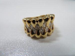 メレダイヤ・ダイヤモンドデザインリング K18 お買取りさせて頂きました。