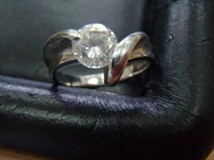 ダイヤモンドも!金も!プラチナも!貴金属アクセサリーのお買取は買取専門店大吉霧島国分店です。
