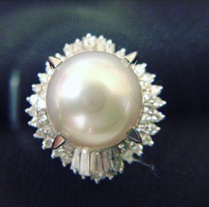 指輪、ネックレス、ブローチなどアクセサリーの高価買取は大吉イオンスタイル大津京店へ