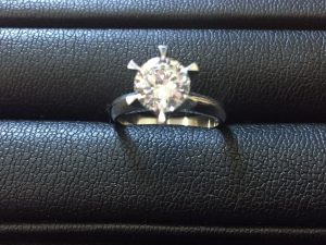 新宿周辺でダイヤリングを高く売るなら買取専門店 大吉 新宿本店へ