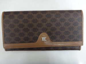 大吉調布店で買取したセリーヌの財布