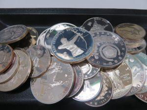 SV925 銀貨・記念メダルを沢山お持ち頂きました。