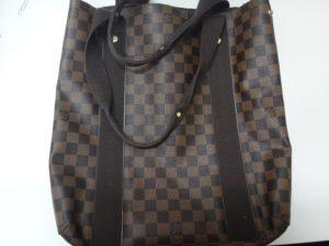 大吉調布店で買取りしたヴィトン(LV)のバッグ