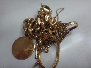 大吉調布店で買取りした金のアクセサリー