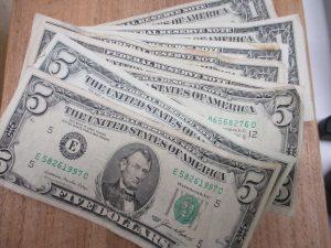 アメリカドル札