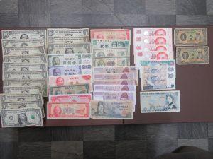 本日は外国紙幣をお買取りさせて頂きました。