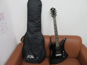 本日はエレキギターをお買取りをさせて頂きました。