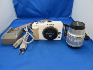 本日はOLYMPUSミラーレスカメラをお買取りさせて頂きました。