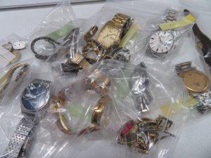 古い時計・電池切れ・動かない腕時計 買取します。