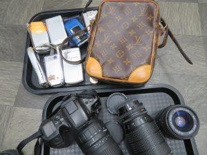 ブランドバックからフイルムカメラ・ガラ系まで多種多様な買取させて頂きます。